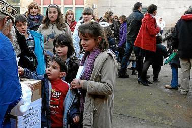 20101224140608-ninos-en-la-plaza.jpg
