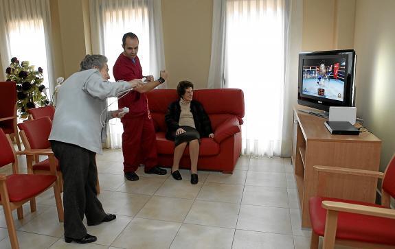 20110314200044-wii-terapia-en-la-residencia-de-villanueva.jpg