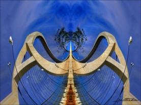 20140225140858-puentetercermilenio.jpg