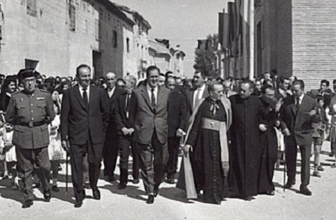Visita del Arzobispo Soldevila a Villanueva